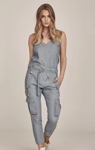 GEA 7 8 baggy trousers 1- Blue fog.png